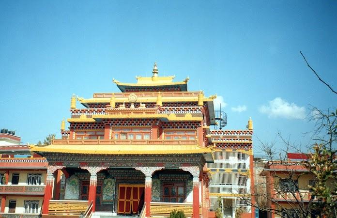 Obiective turistice Nepal: temple tibetane.jpg