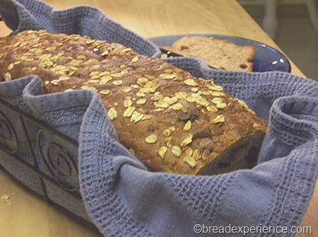cinnamon-raisin-oatmeal-bread 041
