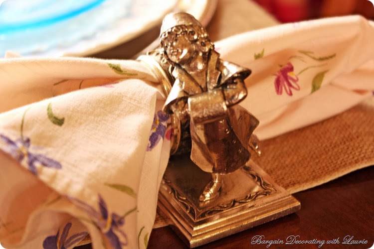 Figural napkin ring-Bargain Decorating with Laurie