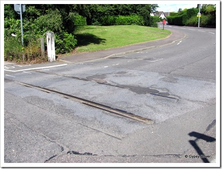 Another piece of railway history in Markinch. This was a level crossing to a paper mill. The town of Glenrothes didn't exist then.