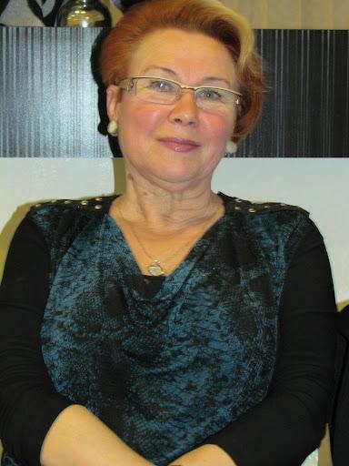 Maya Shmuter - vo vremya zasedaniya.JPG