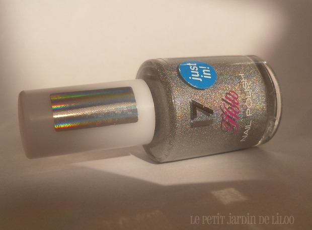 07-17-cosmetics-holo-silver-nail-polish-review-swatch