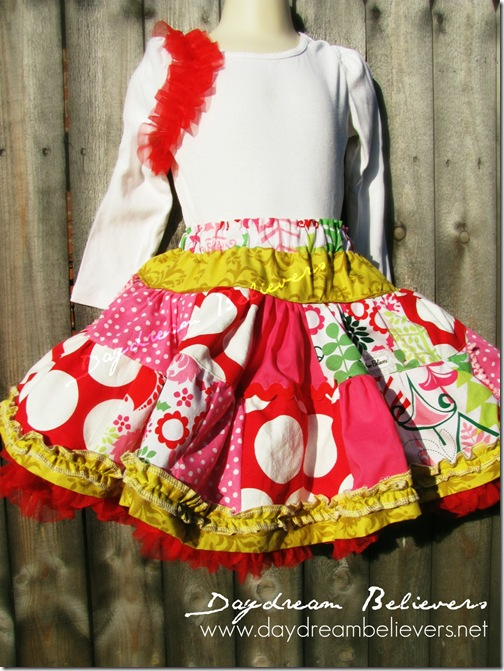girls christmas pettiskirt outfit ruffle top bees knees by daydream believers