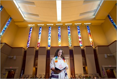 Hannah In Temple
