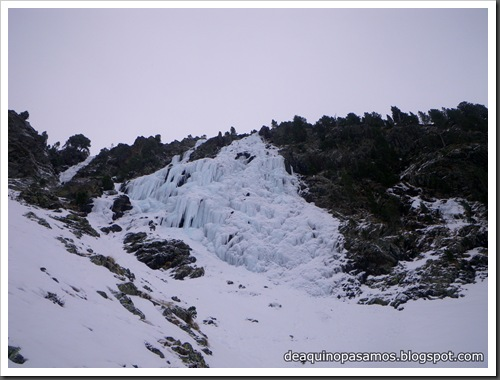 Cascada Mamporros para todos 100m WI4 ,III 90º (Aigualluts, Benasque, Pirineos) (Isra) 3187