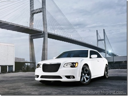 Chrysler 300 SRT84