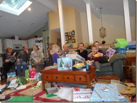 12-25 Christmas gift opening 16