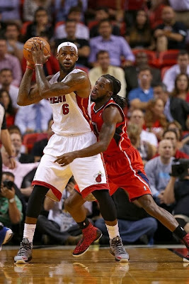 lebron james nba 131119 mia vs atl 03 LeBron Wears 3 Different LBJ 10 Elites in 3 Straight Games
