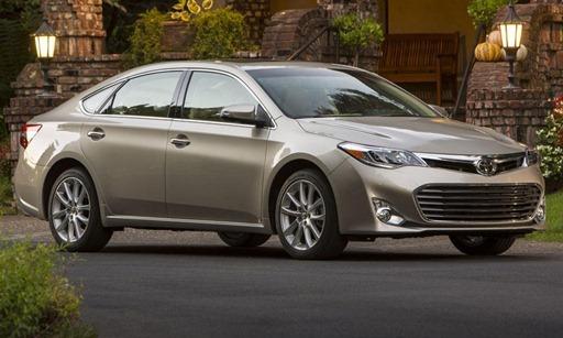Toyota-Avalon-Hybrid-2013