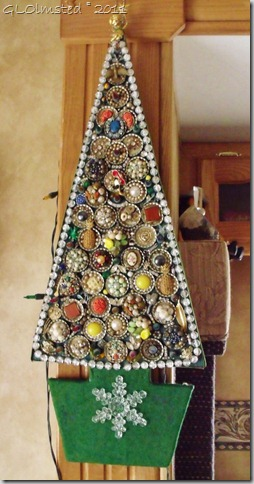 01 Grandpa Loomis' Christmas tree (533x1024)