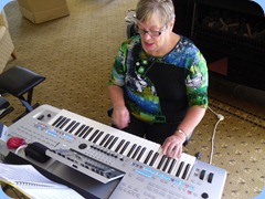 Barbara McNab entertained us on her lovely Yamaha Tyros 4.