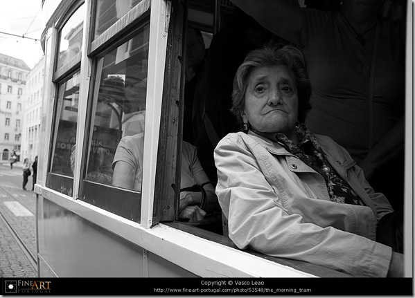 The morning tram © Vasco Leao
