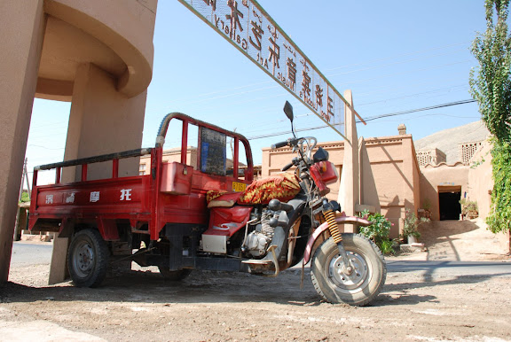 Turfan - Putaogou Moto-truck