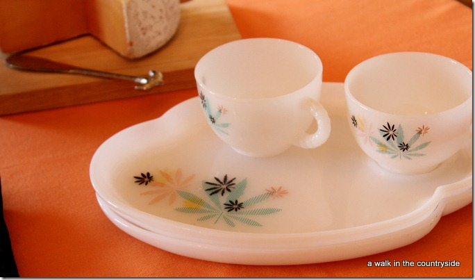 milkglass snack sets
