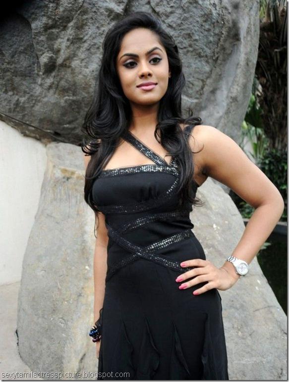 karthika_nair_in_black_dress