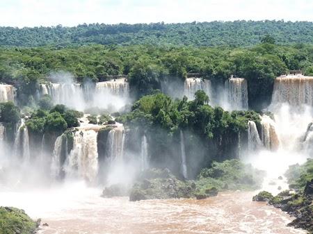 Cascada Iguazu: Mai aproape