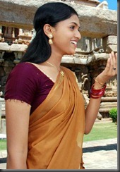 sunaina-cute-in-saree-still