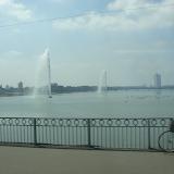 大同江を渡る