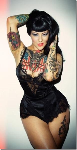 hot-women-tattoos-32