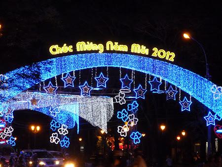 160. iluminatie iarna Saigon.JPG