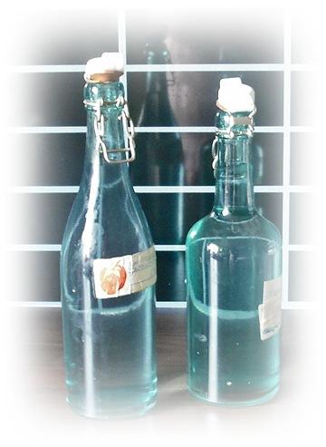 de grønne flaskene