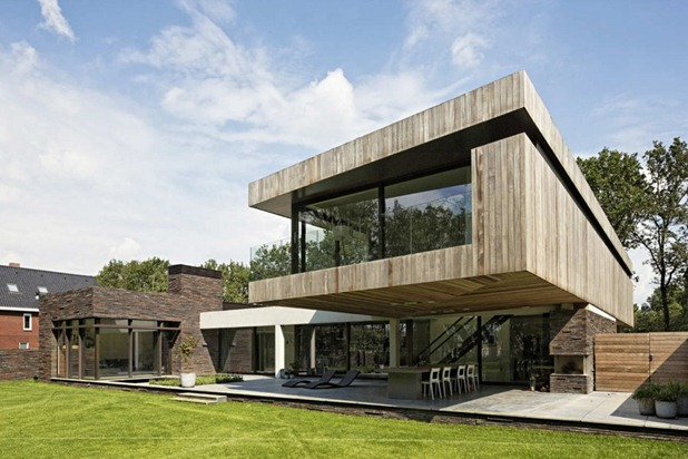 house at the edge of a forest by hilberink bosch architects 1