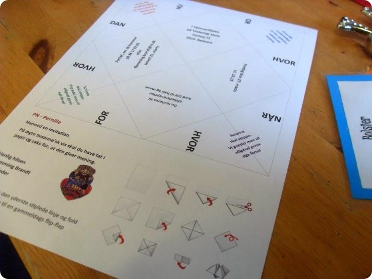 Invitation med saks og papir