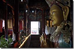 vers LEH 098 boudha monastere de thiksey