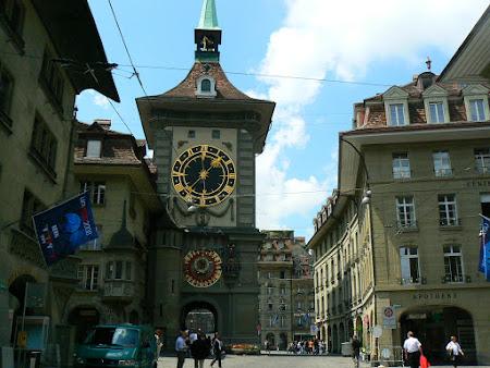 Orase istorice Elvetia: turnul cu ceas din Berna