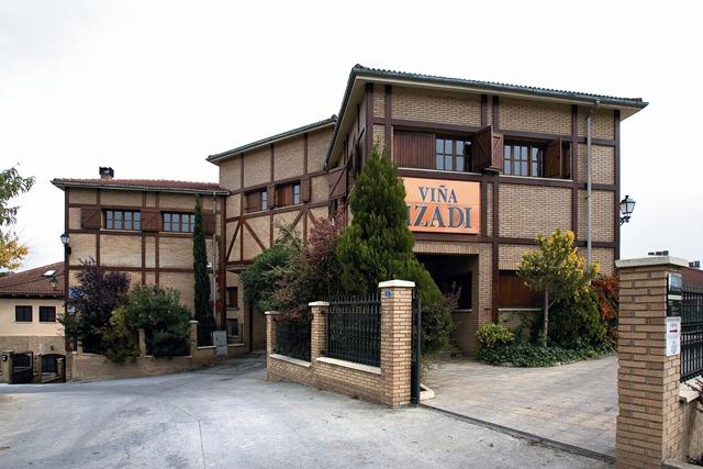 fachada-nueva-1024x682-IZADI
