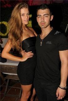 Joe Jonas y Nina Agdal inician romance