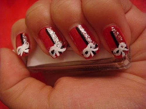 Christmas Present Bow Nails