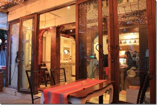 昆山夢田香草,餐廳的一隅,有室內及室外的座椅。