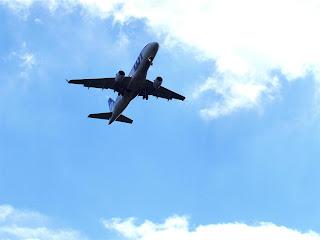 PLL  LOT Boening 737