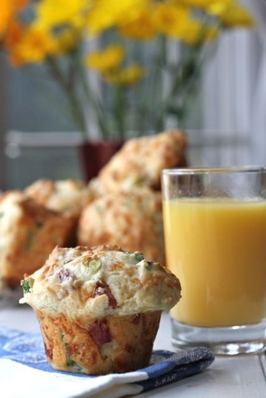Ham-Scallion-and-Cheddar-Muffins