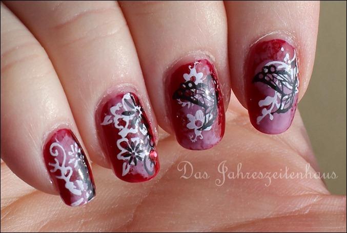 Floral Grunge Nails 10
