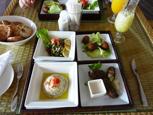 Lunch på hotellet Hilton Double Tree Hotel, Aqaba, Jordanien