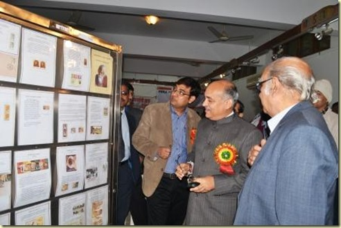 Viewing_Exhibition-Philately