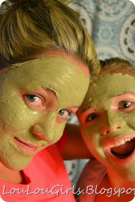 mud-mask-facial (1)