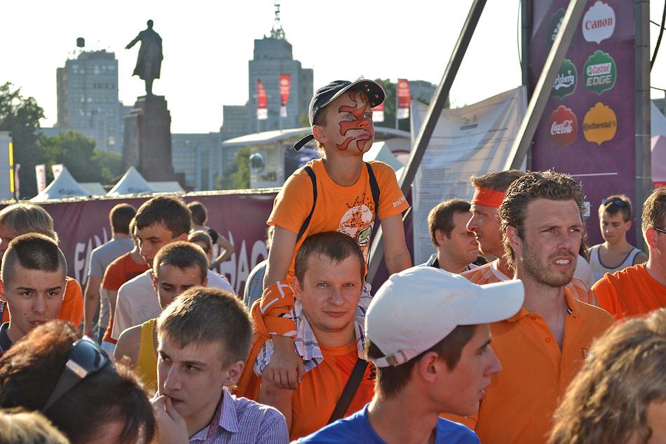 Евро 2012 по футболу. Харьков. 13 июня. Перед матчем Голландия - Германия - 84