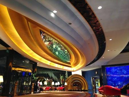 02 lobby.JPG