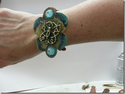 Barretes,pendants and bangles (3)
