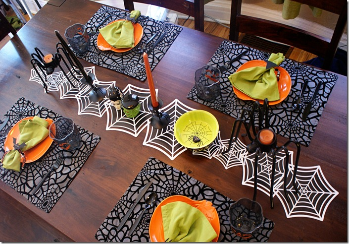 Halloween Table Setting- Plus 2 Mini Tutorials | better together