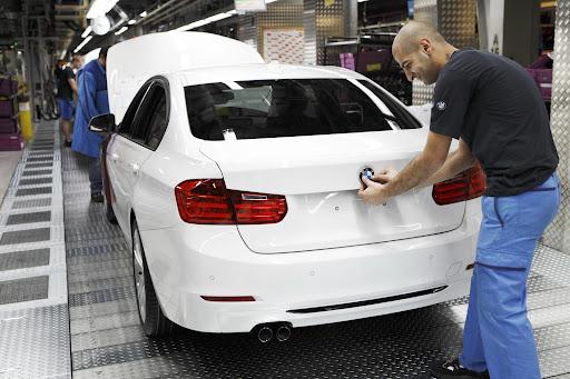 2012-BMW-3-Series-22.jpg