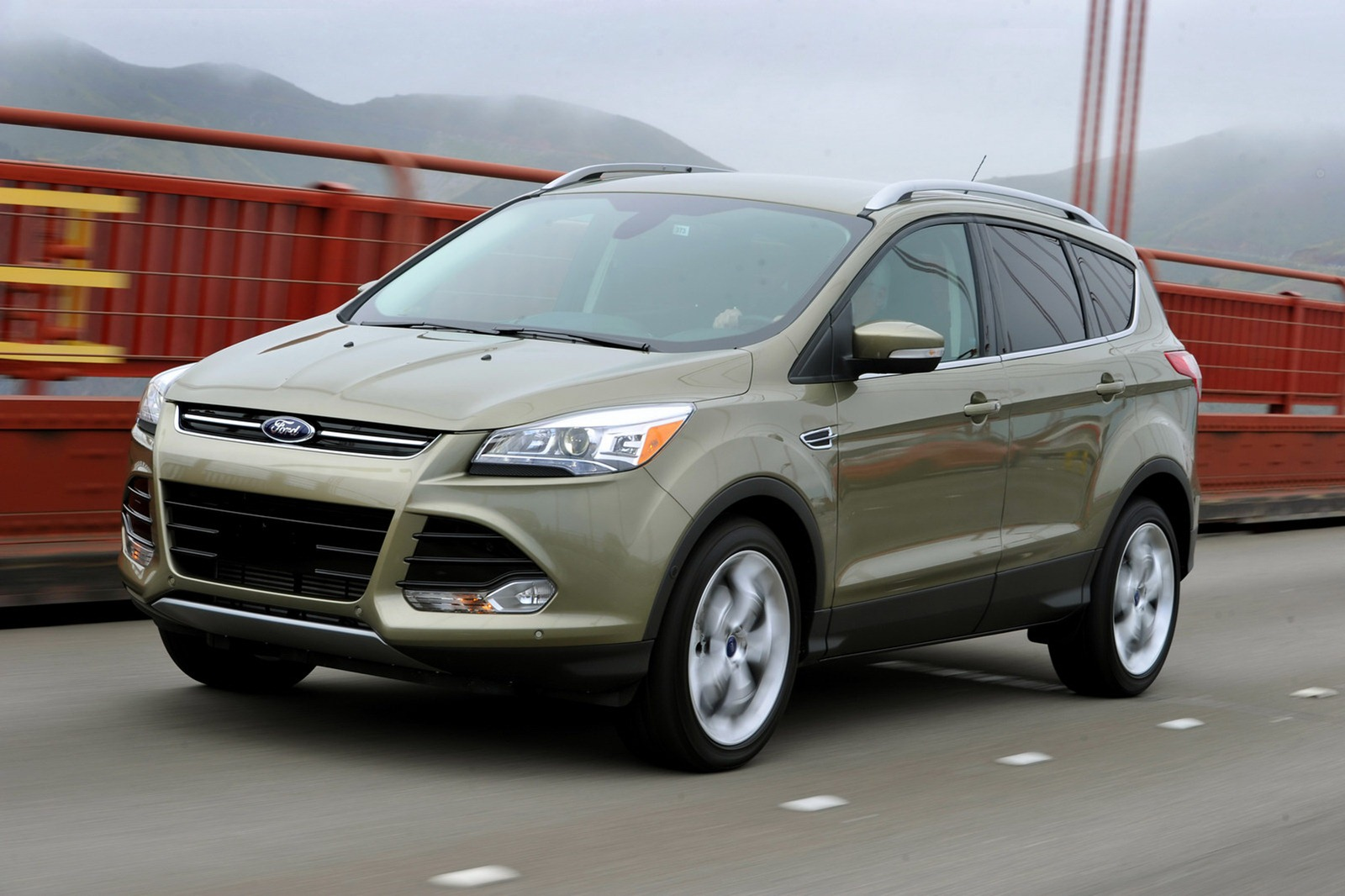 2013-Ford-Escape-8%25255B2%25255D.jpg