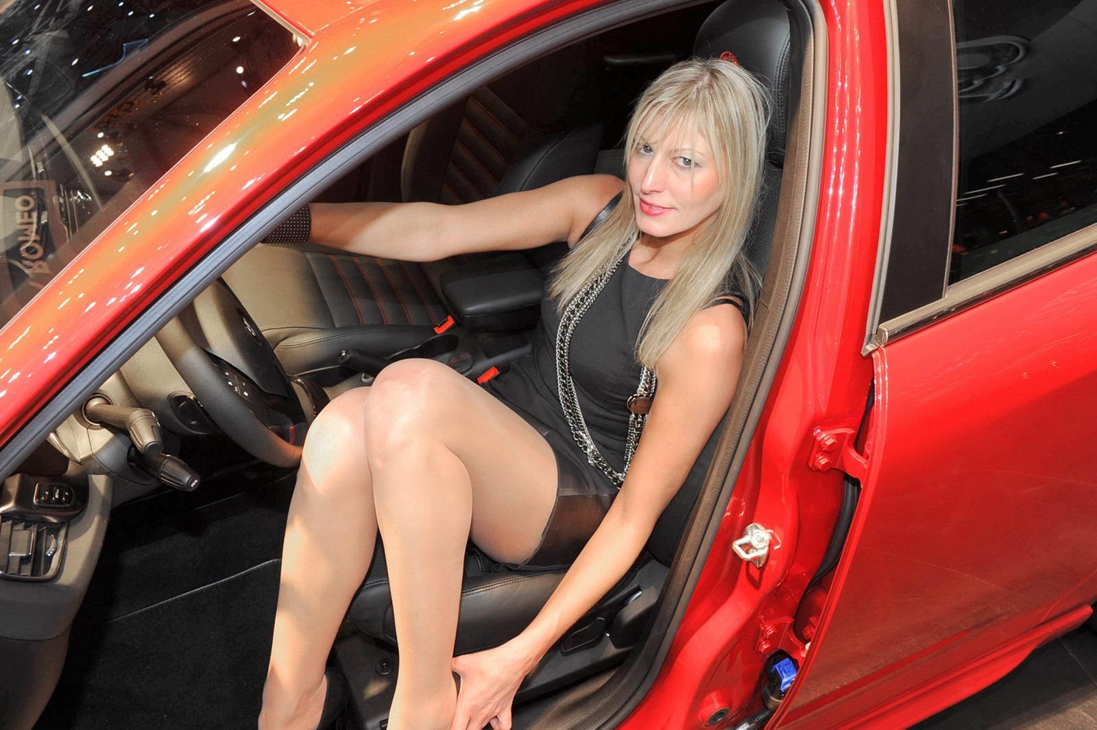 Эротика на автовыставке, Эротические фото девушек с авто выставок 7 фотография