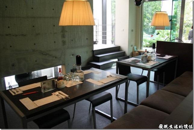 ORO竹溪店的室內裝潢。