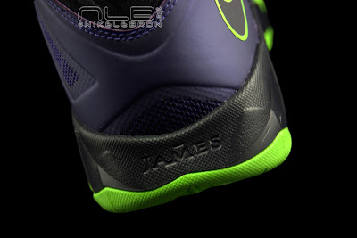 lebrons soldier7 purple volt 52 web black The Showcase: Nike Zoom LeBron Soldier VII JOKER
