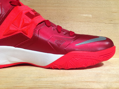 nike zoom soldier 7 tb gym red 1 04 Closer Look at Nike Zoom Soldier VII Team Bank Styles