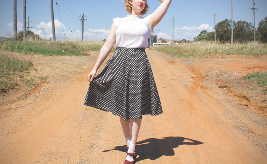 A breezy A-line skirt has a lovely femminine, 1940s feel | Lavender & Twill